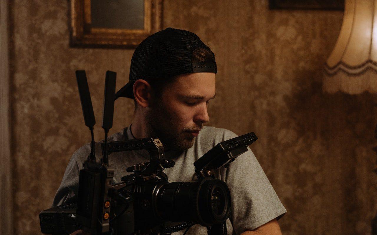 movie-camera-man